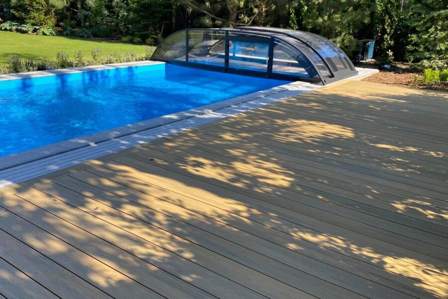 taras przy basenie basen poznań deski tarasowe